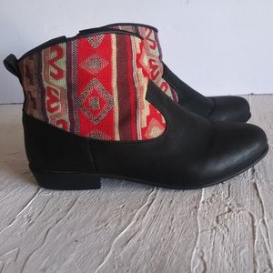 Comfortview tribal red ankle boots